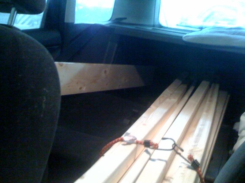 Кровать в машине